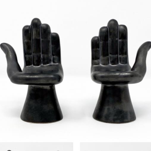 Par de manos de porcelana