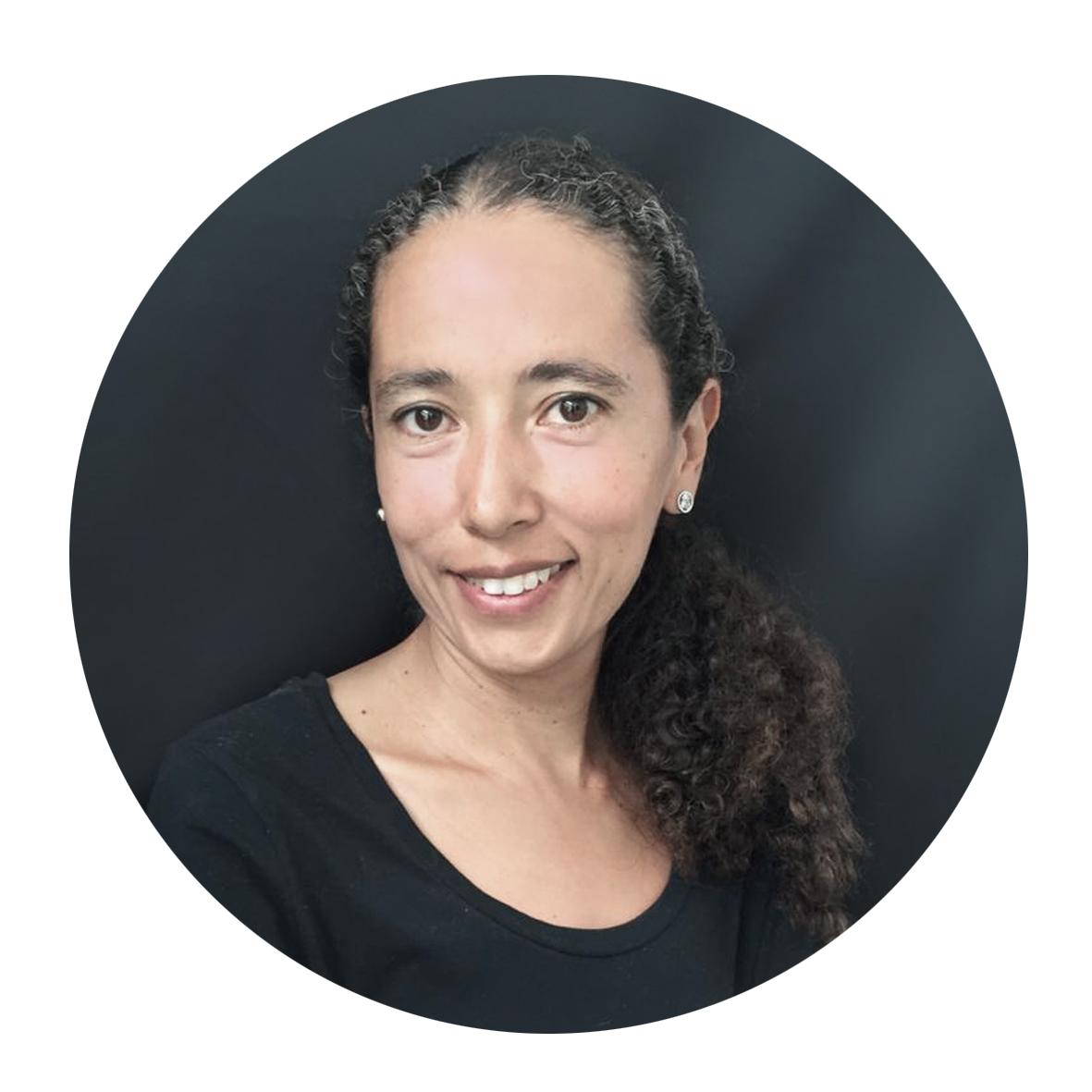 Valeria Lozano