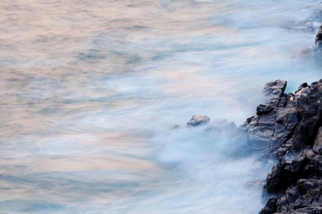 Waves & Rocks