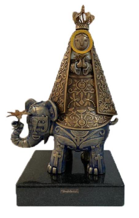 Virgen en elefante