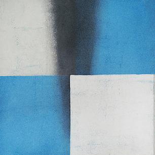 Blanco sobre blanco y azul