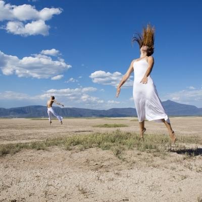 Posesión dancística . Precio según soporte y medidas.
