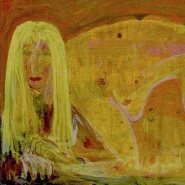 Mujer dorada con amuletos