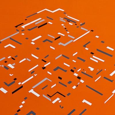 Pirámide laberíntica con atardecer